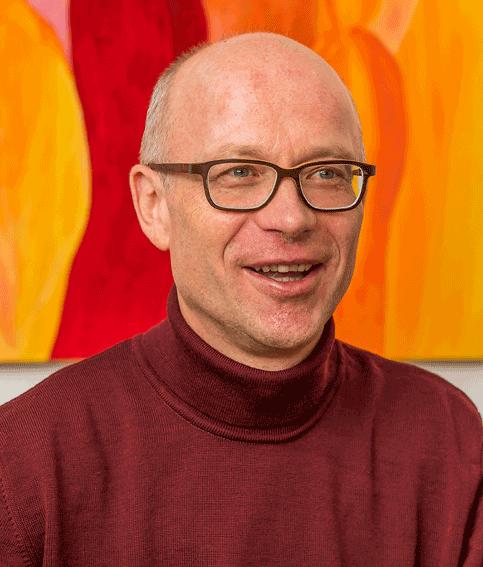 """Dr. Schmid: """"In meinem Job ist vieles wichtig. Eines jedoch elementar: Engagement."""""""