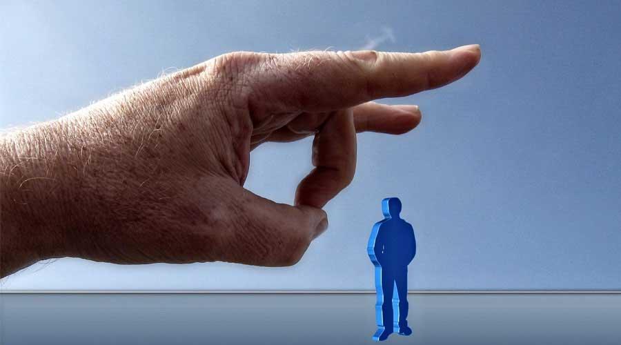 Eine fristlose Kündigung wegen intrigantem und illoyalen Verhaltens ist ein wichtiger Grund für die außerordentliche Kündigung des Arbeitsverhältnisses.