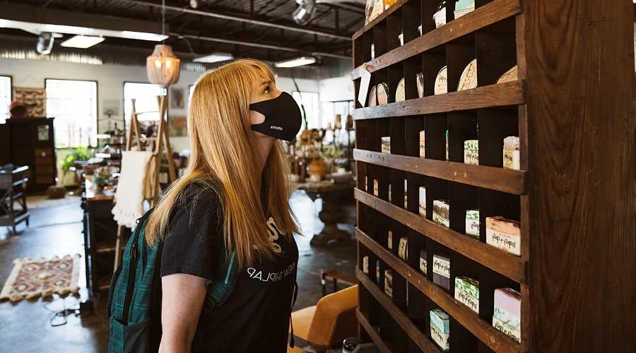 Maskenpflicht in Geschäftsräumen wie zum Beispiel im Supermarkt